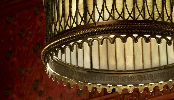 2.xx.12_Gothic_chandelier_detail_big