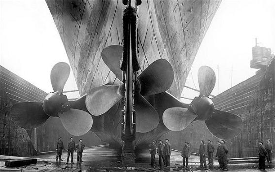 Titanic_propellers_big