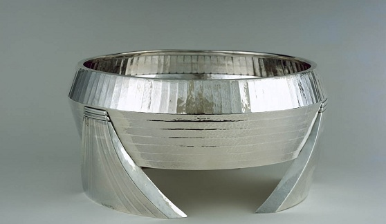 Zaire centerpiece bowl. Raymond Ruys, designer; Delheid Frères, manufacturer, 1930. The Nelson-Atkins Museum of Art, Kansas City. Featured image for Jason T. Busch's upcoming Inventing the Modern World: Decorative Arts at the World's Fairs 1851-1939 lecture.